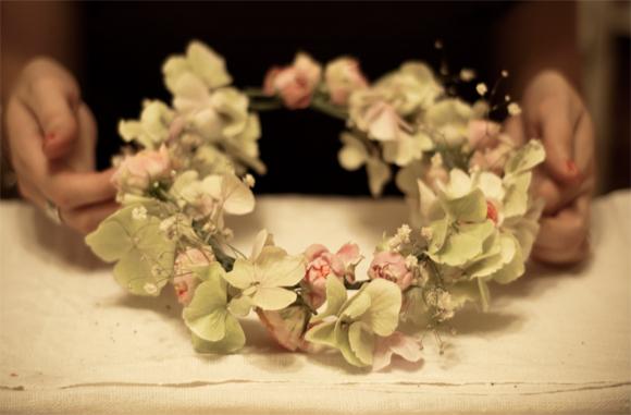 aafbcafcb wi - How To Create Your Own Flower Garland Headpiece - A DIY  Tutorial. a075fe775d6