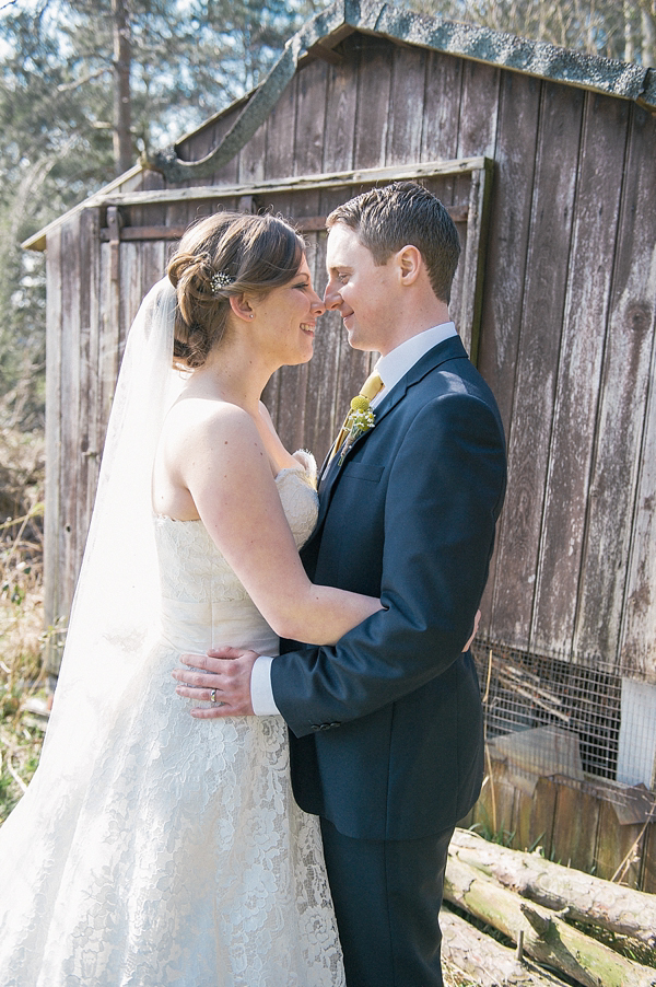 9f59c45ee2 aafbcdec pi - Delicate Lace By Justin Alexander For A Pretty Yellow Barn  Wedding