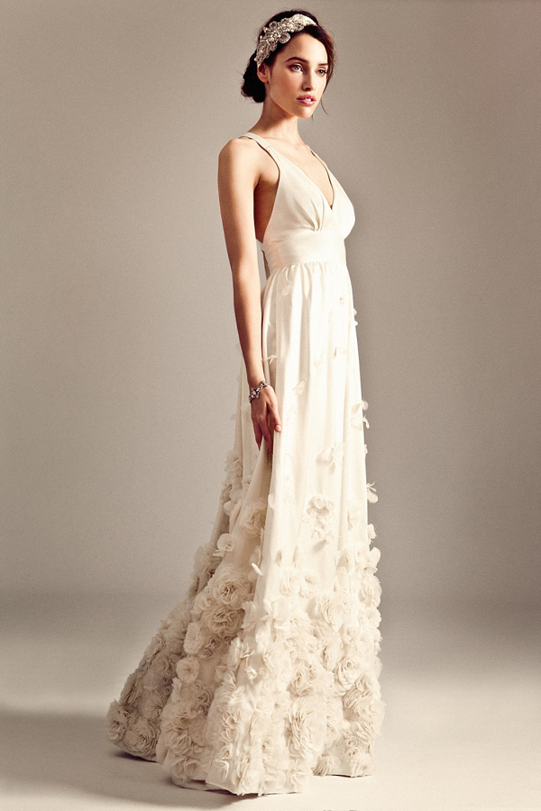 d929843ae14 aafbcbdefb pi - The Temperley Bridal Iris Collection for 2014 15