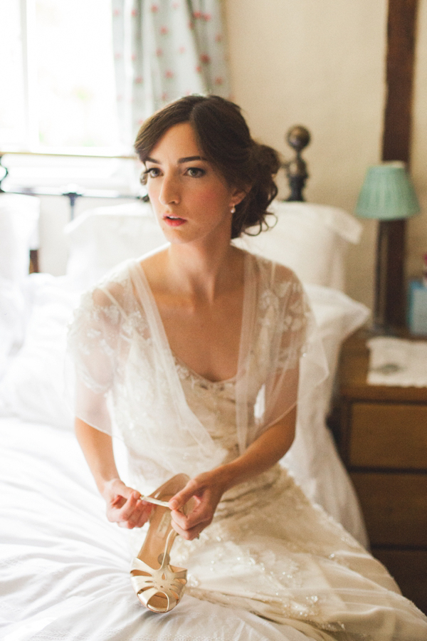 Aafbcaefdcc Pi Azalea By Jenny Packham And A Delicate Fl Crown For Bohemian Meets